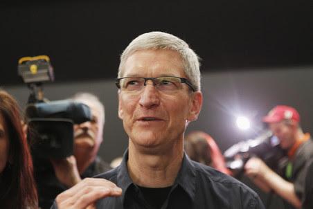 Глава Apple Тим Кук стал самым высокооплачиваемым исполнительным директором компании США в 2011 году