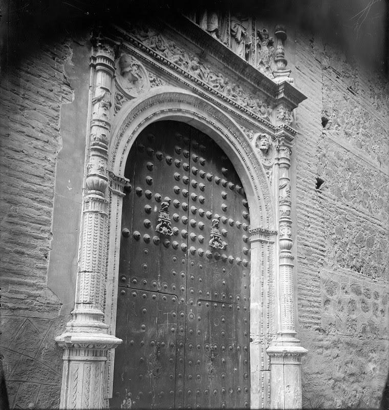 Portada del Convento de San Clemente hacia 1880. Fotografía de Casiano Alguacil. Ayuntamiento de Toledo
