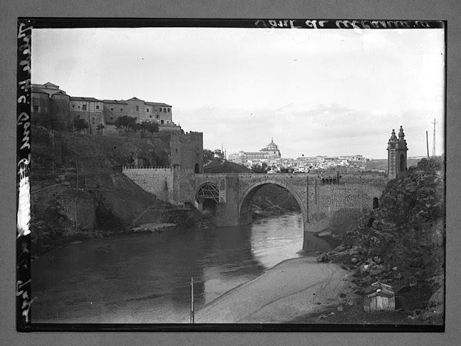 Puente de Alcántara hacia 1910. Fotografía de Charles Chusseau-Flaviens. Copyright © George Eastman House, Rochester, NY