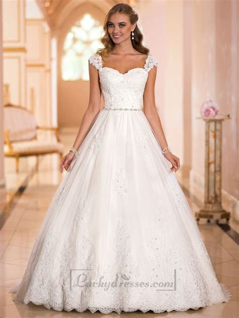 Straps Sweetheart Lace Princess Ball Gown Wedding Dresses