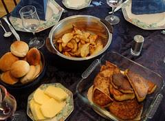 dinner :: middag klar
