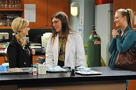 The Big Bang Theory Photos & Sneak Peek: The Girls Go