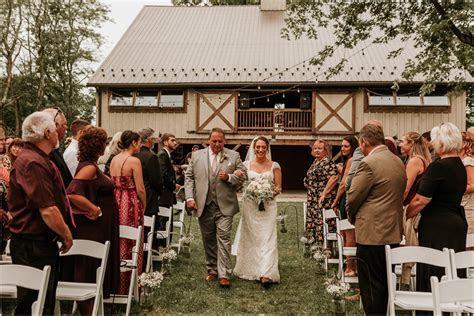 Summer Farm and Barn Wedding, Quakertown, PA   Angela