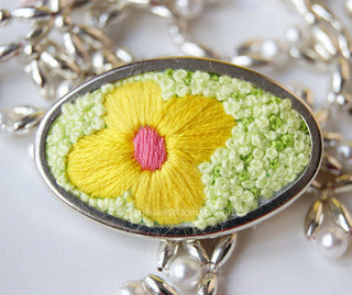 Flower brooch. And French knots!!