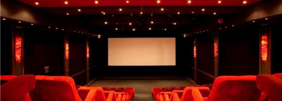 Πώς να πας τουαλέτα στο σινεμά χωρίς να χάσεις την ταινία