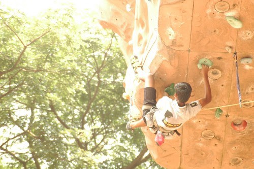 17th_South_Zone_Sports_Climbing_Competition_Junior_Boys_In_Action2