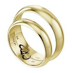 Commitment 9ct Yellow Gold Ring Set   H.Samuel
