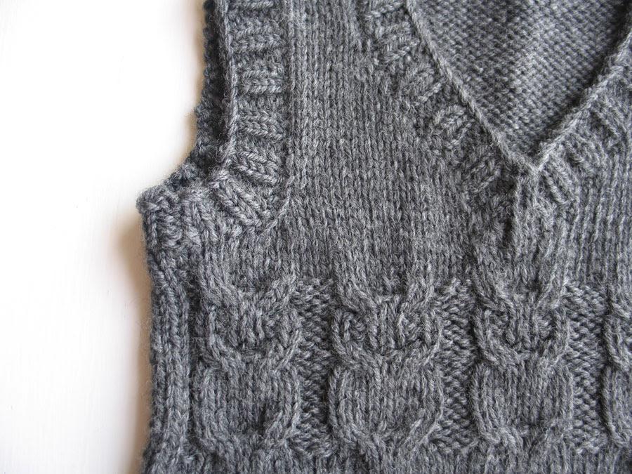 owl vest macro2