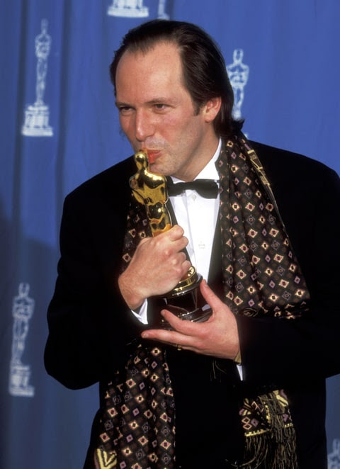 Composer Hans Zimmer holds the Oscar he won for best original score for the animated film 'The Lion King' at the 67th Annual Academy Awards 27 March in Los Angeles.