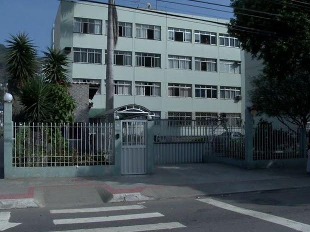Crime aconteceu em frente a prédio no bairro Santa Lúcia em Vitória (Foto: Reprodução/ TV Gazeta)