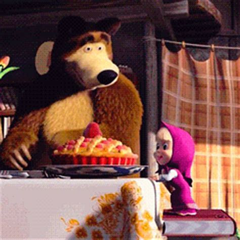 gambar animasi bergerak marsha   bear lucu