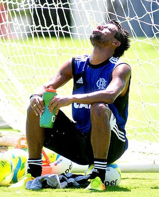 Léo Moura Flamengo treino (Foto: Wallace Teixeira / Agência Estado)