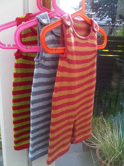 Free knitting pattern for Stripey Baby Dungarees