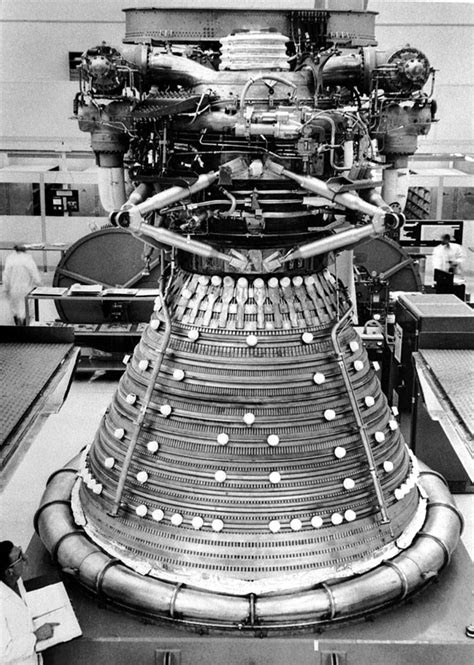 F1 Engine | Saturn V booster | APOLLO MANIACS