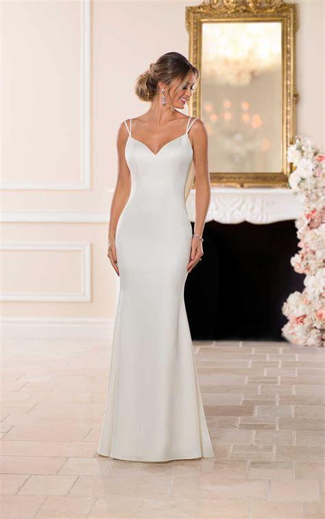 Sleek Old Hollywood Wedding Dress   Stella York Wedding Gowns