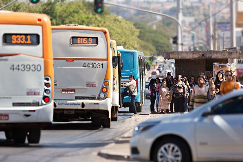 Resultado de imagem para Justiça dá 10 dias para governo do DF explicar reajuste de passagens
