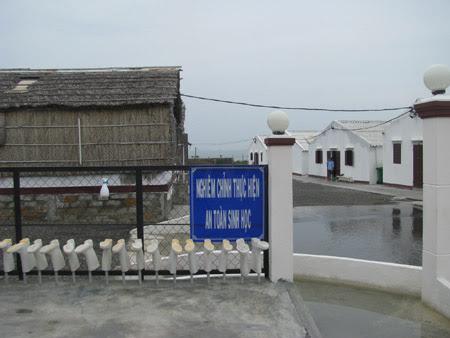 Khu nghiên cứu tôm bố mẹ của Công ty TNHH - Việt - Úc.