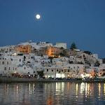 Full Moon over Naxos (26103652)