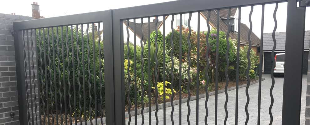 Bespoke Contemporary Gates Railings For A Modern House Ironcraft