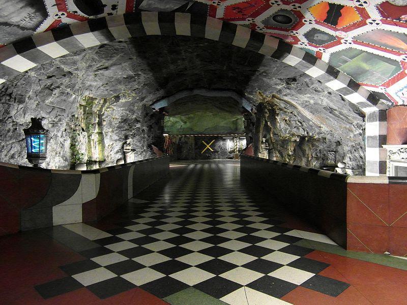 Stockholm - Tunnelbana - Kungsträdgården (10860916664) .jpg