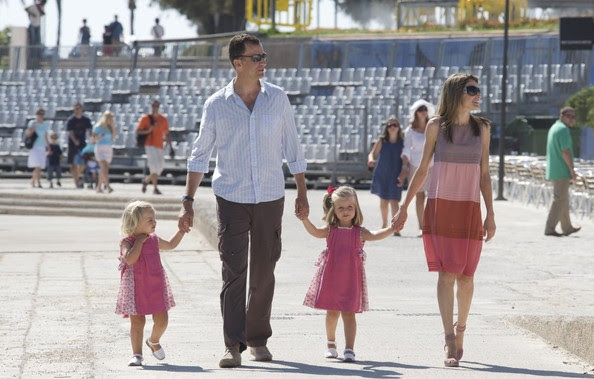 Princess Letizia Crown Prince Felipe of Spain, Princess Letizia of Spain and their daughters, Leonor (R) and Sofia (L) pose for photographers during the summer holidays on August 5, 2009 in Palma de Mallorca, Spain.
