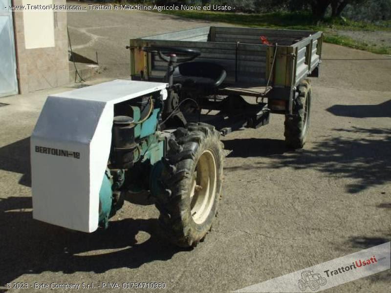Trattori agricoli usati macchine motocoltivatore con for Motocoltivatore usato lazio