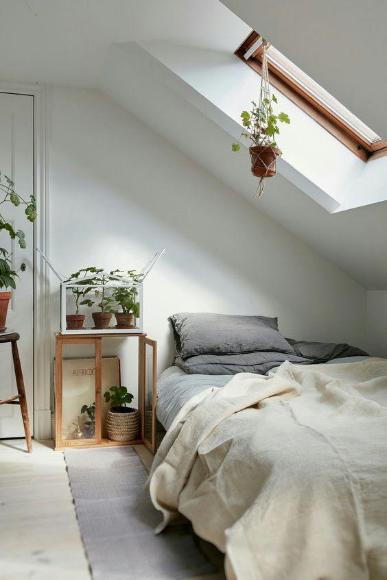 17 Charming Sloped Ceiling Bedroom Ideas | Interior God