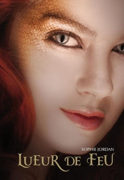 http://lesvictimesdelouve.blogspot.fr/2011/10/lueur-de-feu-tome-1-de-sophie-jordan.html