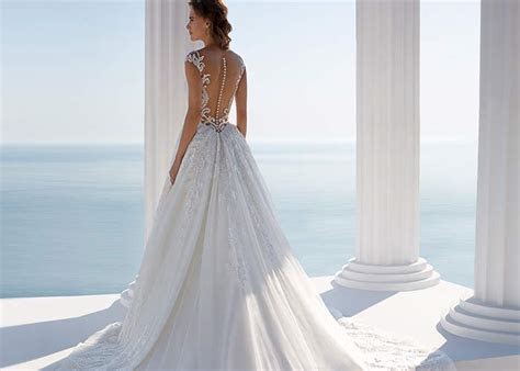 Pick out your dream dress at Stunning Bridal   Wedding