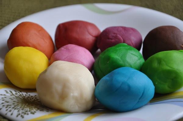 разноцветный пластилин