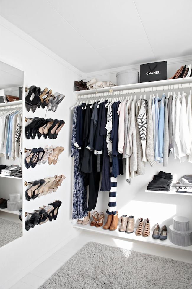 A Fashionable Home: Minimal And Bright Walk-In Closet -- Scandinavian Minimal Interior Design -- Shaggy Rug Via Stylizimo -- photo 8-Le-Fashion-Blog-A-Fashionable-Home-Minimal-Bright-Walk-In-Closet-Scandinavian-Minimal-Interior-Design-Shaggy-Rug-Via-Stylizimo.png