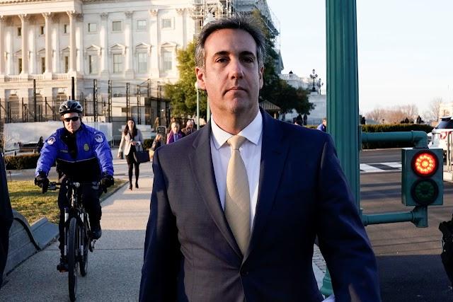 El ex abogado de Trump Michael Cohen maneja un podcast en la lucha contra el ex presidente