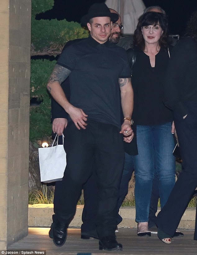 Date night? j oined her boyfriend Casper Smart and a group of friends for a late night dinner date at celebrity hotspot, Nobu, in West Hollywood on Monday evening