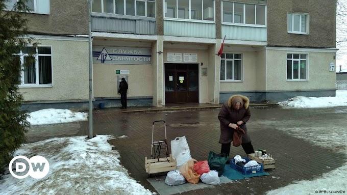 """Как протестующих белорусов власти делают """"тунеядцами"""""""