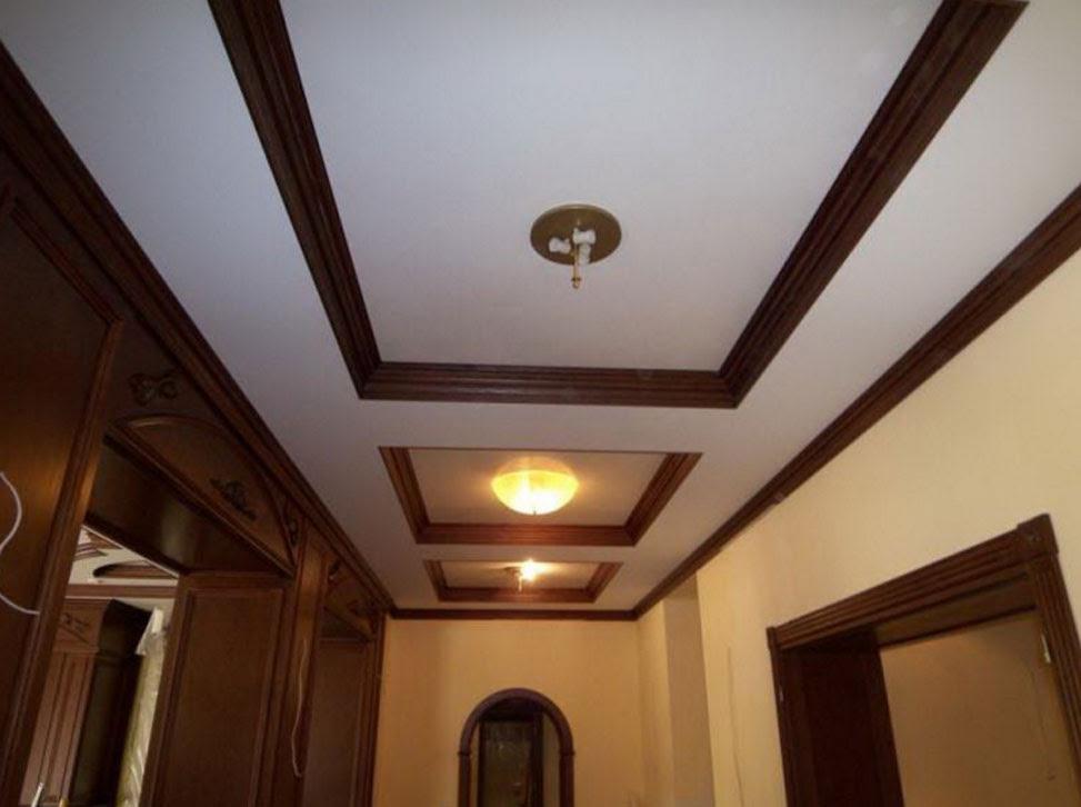 Casual In legno Soffitto Progettazione Per Moderno Corridoio Decorazione