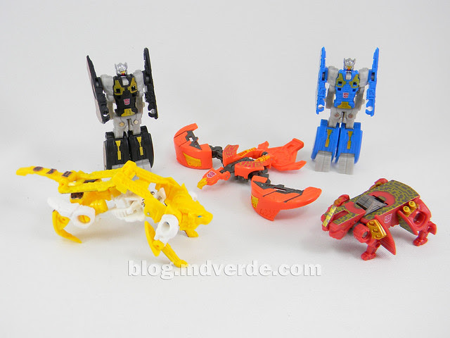 Transformers Data Discs Fall of Cybertron - modo robot
