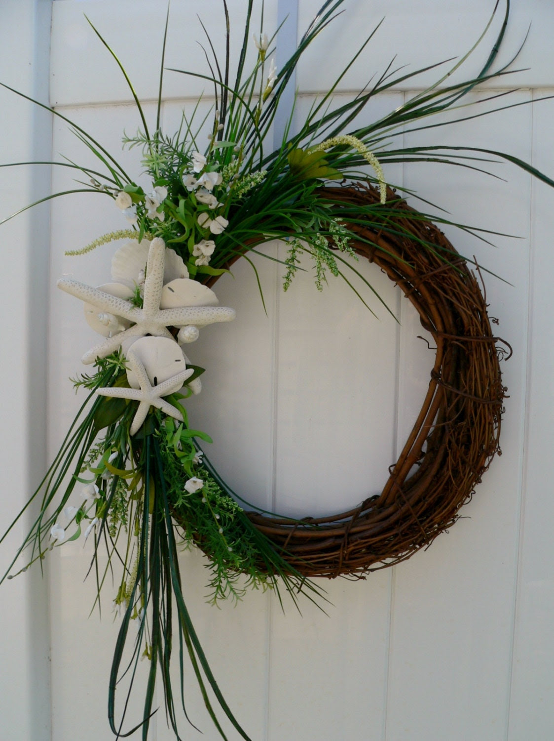 Beachy Wreath Coastal Style at it's Best by BeachyWreaths on Etsy
