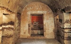 ΣΤΗΝ ΠΕΛΛΑ: Ο τάφος που... κατεβαίνει στον Άδη