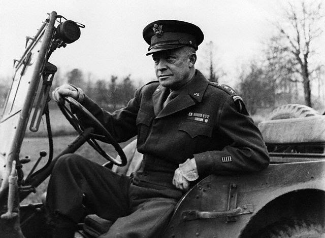 http://www.thelivingmoon.com/48michael_salla/04images/Articles/General_Eisenhower.jpg
