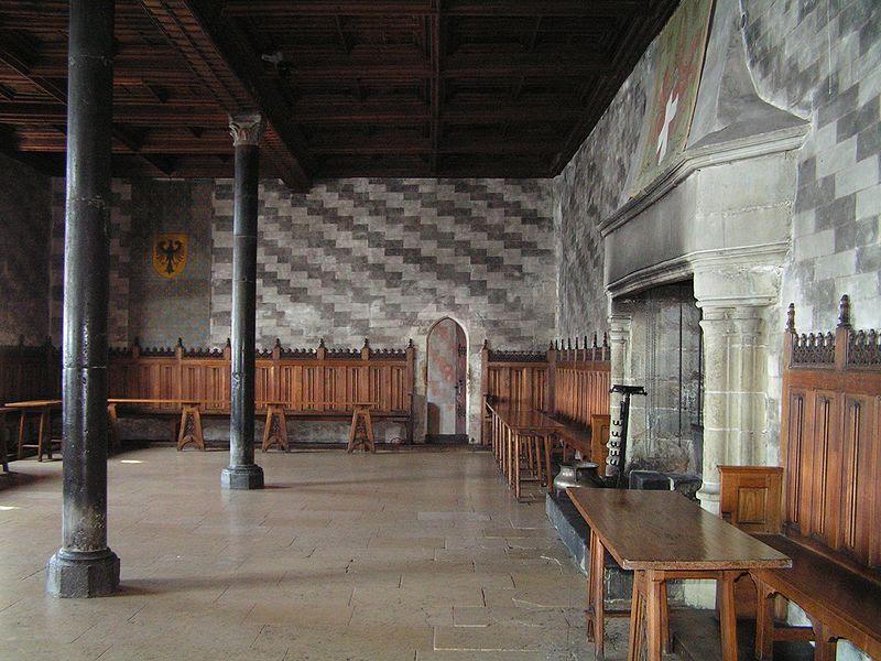 Archivo: Schweiz Schloss Chillon Innenansicht Saal.jpg