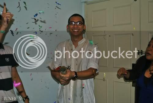 http://i599.photobucket.com/albums/tt74/yjunee/blogger/DSC_0225.jpg?t=1258431341