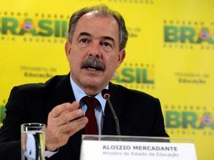 15/03/2016 - O Ministro da Educação Aloizio Mercadante durante coletiva de imprensa em Brasília (Foto: Valter Campanato/Agência Brasil)