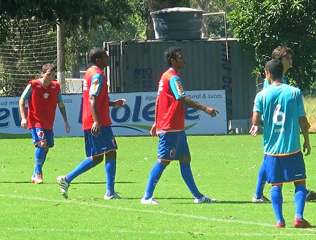 Bottinelli, Renato e Fernando no treino do Flamengo (Foto: Richard Fausto / GLOBOESPORTE.COM)