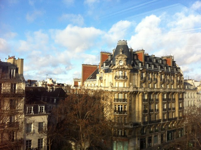 Blue skies over Paris. A nice Christmas gift! Thank you Mother Nature.