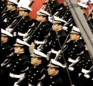 desfile_cadetes_28_jul_2010.jpg