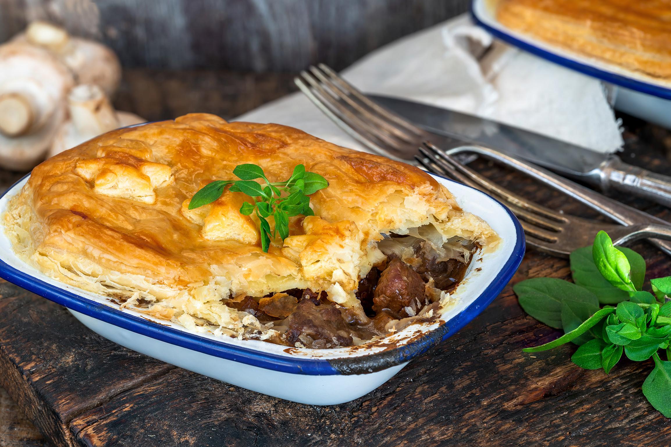 British Pie Week: Steak and mushroom pie recipe with red ...