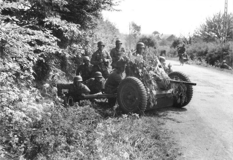 File:Bundesarchiv Bild 101I-127-0391-21, Im Westen, deutsche Soldaten mit getarnter Pak.jpg