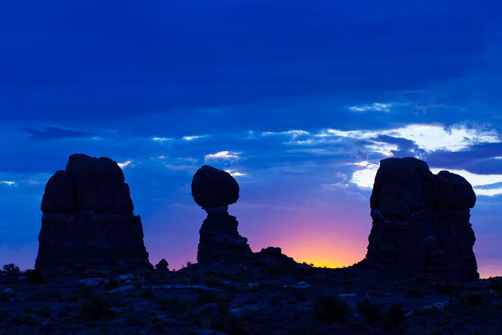 balanced rock, dawn, Arches National Park