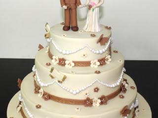 Order Designer Engagement Cake In Pune Sweet Mantra