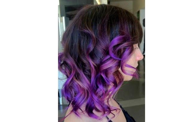 Aposte nas cores também nos cabelos médios